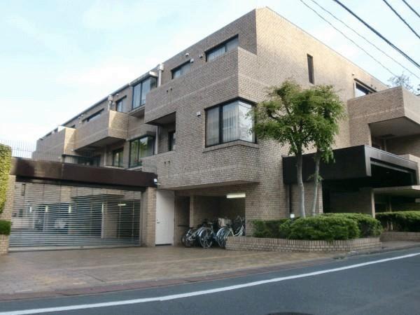 Exterior of Yoyogi Park Mansion
