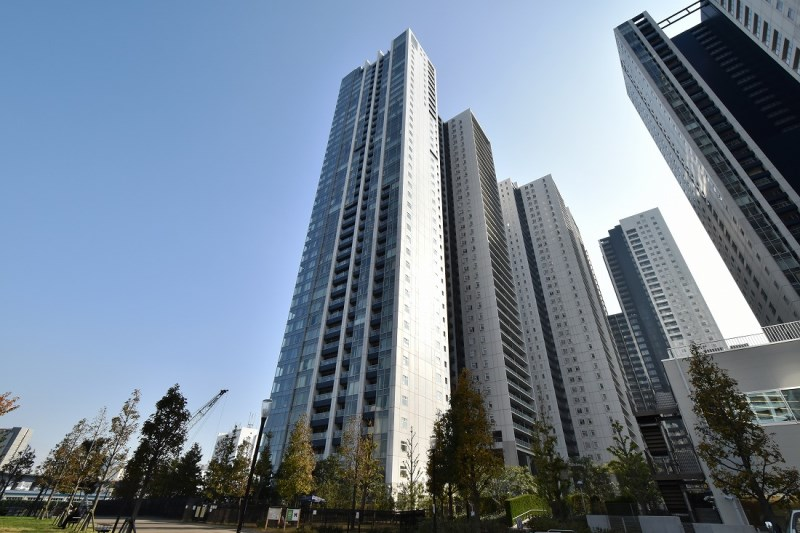 Exterior of World City Towers Breeze Tower
