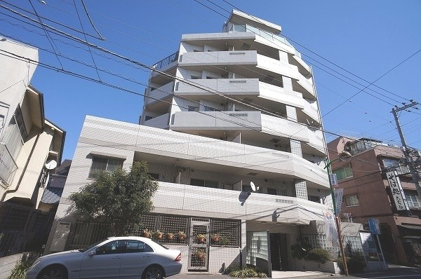 Exterior of カーサフェリス学芸大学