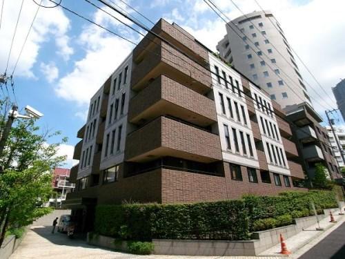 Exterior of The Dochester Minami-aoyama