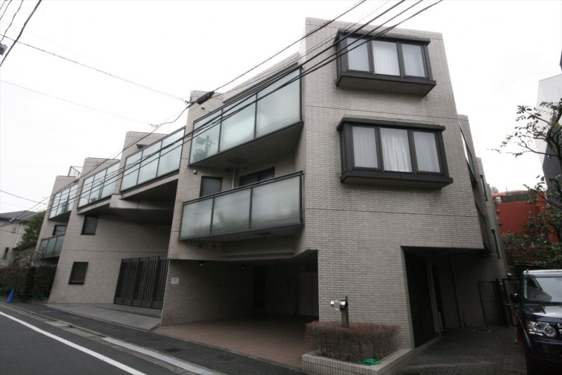 Exterior of Imperial Omotesando
