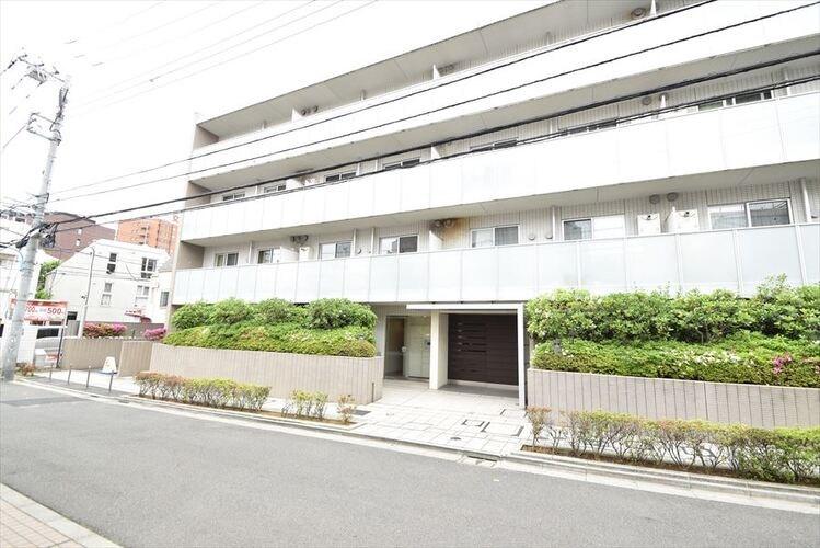 Exterior of クオリア新宿余丁町