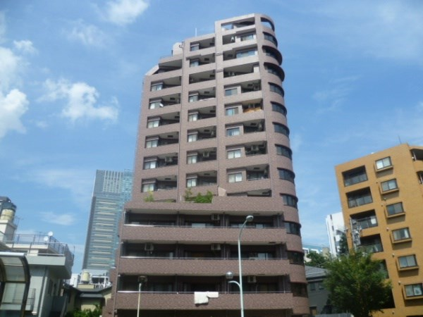 Exterior of Bell Maison Roppongi Towers