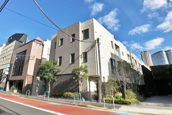 Exterior of Open Residence 南青山 East Terrace