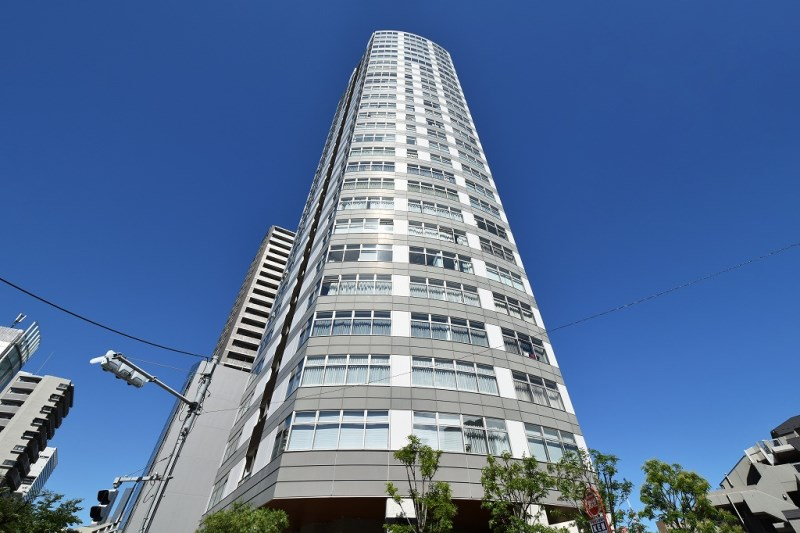 Exterior of MAJES TOWER ROPPONGI
