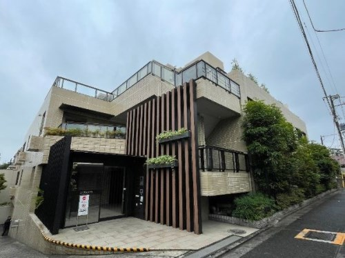 Exterior of Luclass  Mejiro Otomeyama