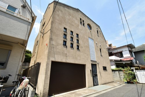 Exterior of Minami-aoyama Designer House
