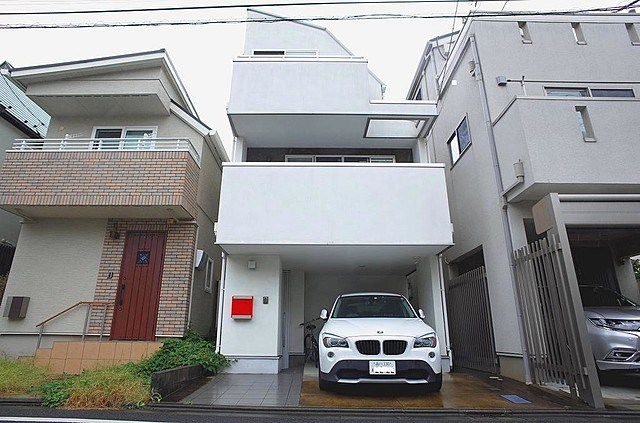 Exterior of Meguro 4-chome House
